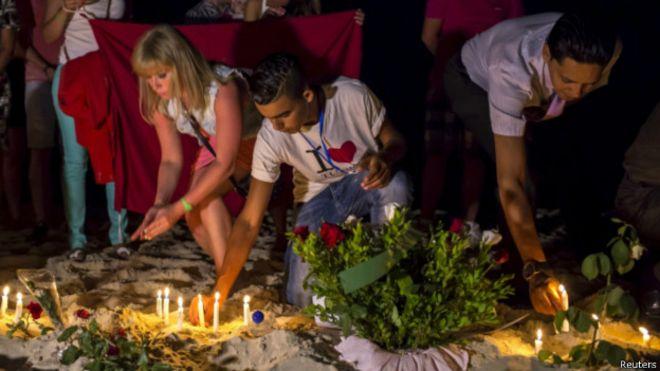 Cérémonie pour les victimes de Sousse