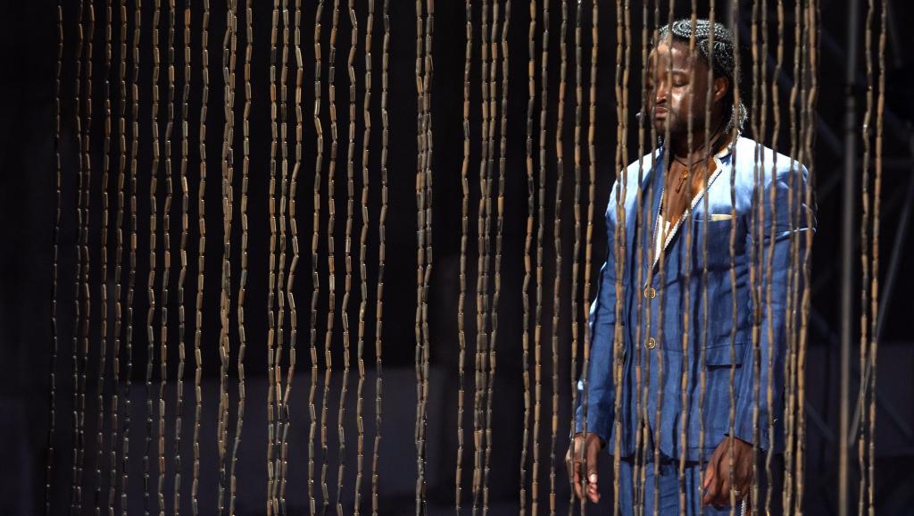 Le contre-ténor congolais, Serge Kakudji, qui chantera au Musée Dapper, lors de la semaine d'activités artistiques autour de l'Afrique qui débute ce dimanche 5 juillet 2015. AFP PHOTO / BERTRAND LANGLOIS