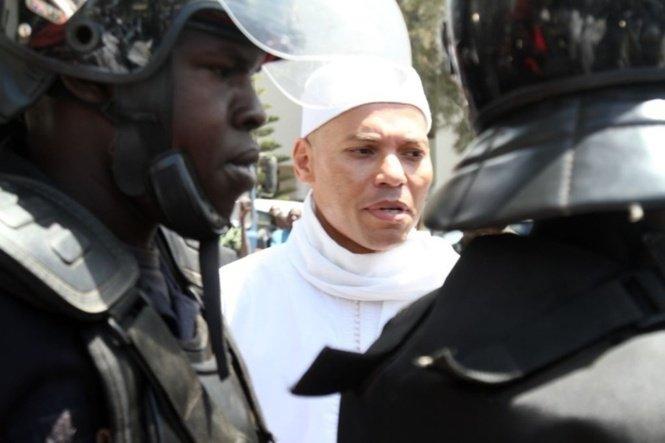 Rebeuss: de nouvelles mesures restrictives contre Karim Wade