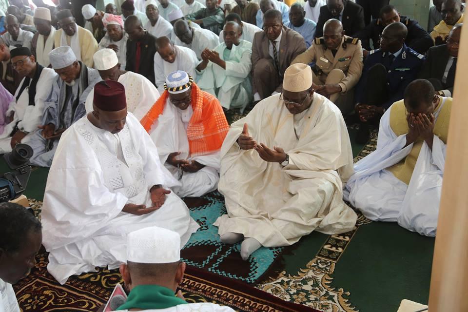 Macky Sall à la mosquée de Liberté 6 pour la prière du vendredi