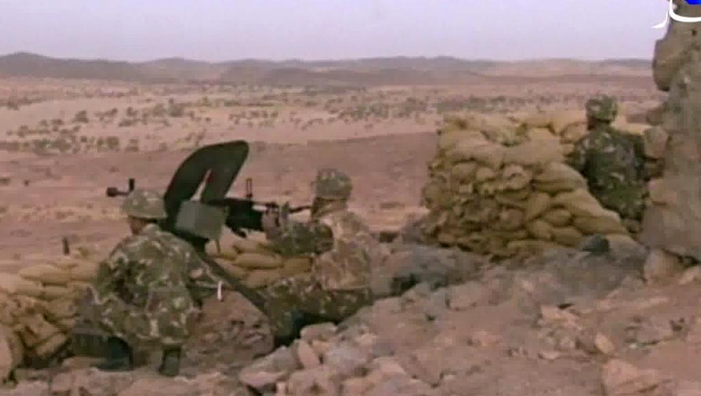 Des soldats algériens dans le sud du pays. AFP PHOTO/ENNAHAR TV