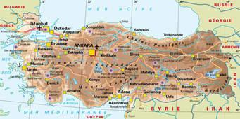 Explosion dans le centre culturel Amara, à Suruç, en Turquie, près de la frontière syrienne