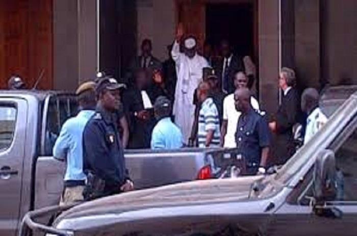 Palais de Justice : Hissène Habré contraint de comparaitre.