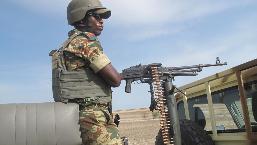 Un soldat camerounais, dans l'Extrême-Nord du Cameroun, la région où se trouve la ville de Maroua. AFP PHOTO / REINNIER KAZE