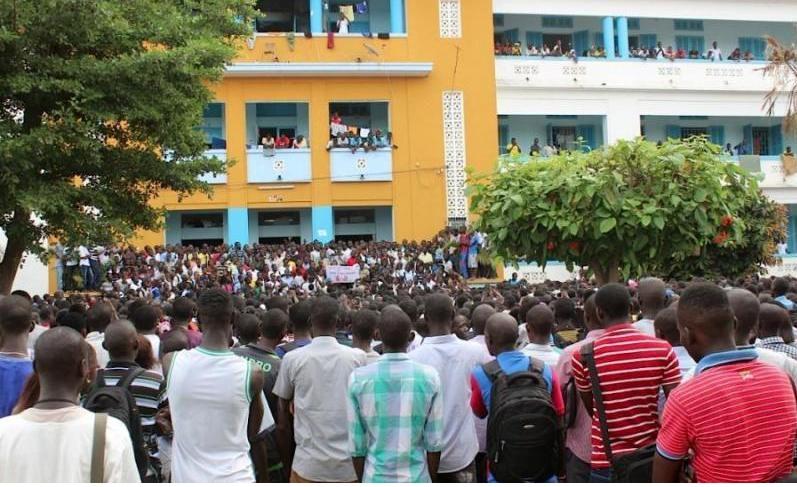 UCAD: le président Sall accueilli par les huées des étudiants