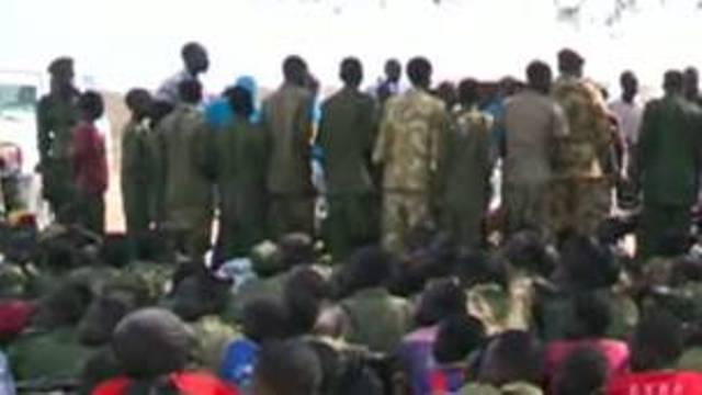 Les recrutements d'enfants par les troupes des deux parties au conflit soudanais ont été condamnés par la communauté internationale.