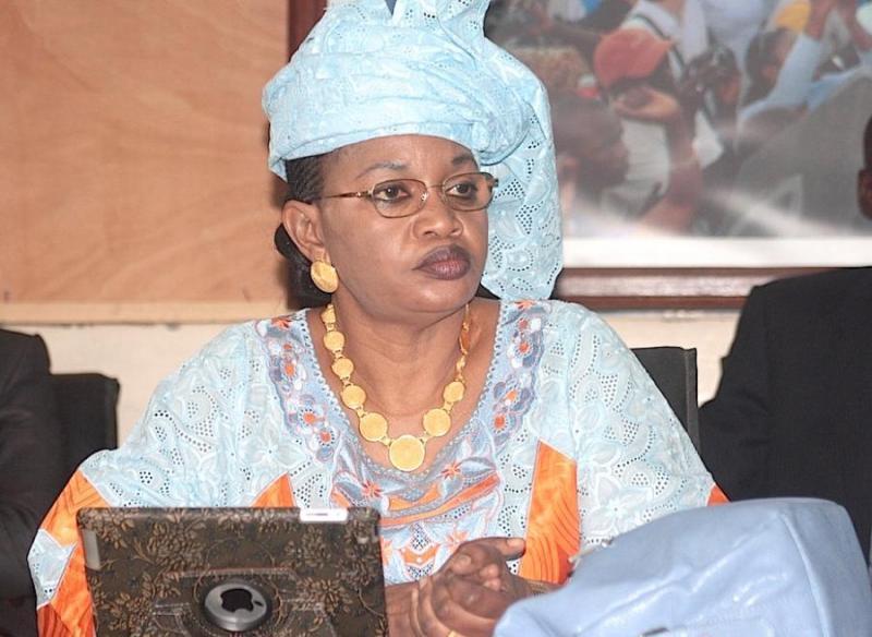 Pétition contre les détentions arbitraires : Aida Mbodji vilipende Macky auprès de Hollande et ses pairs