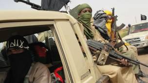 Des combattants du groupe Ansar Dine, l'un des groupes rebelles au Mali.