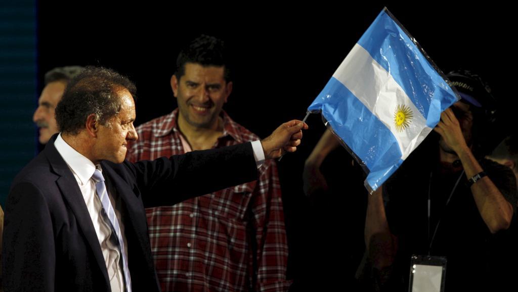 Primaires en Argentine: Daniel Scioli, favori du pouvoir, en tête