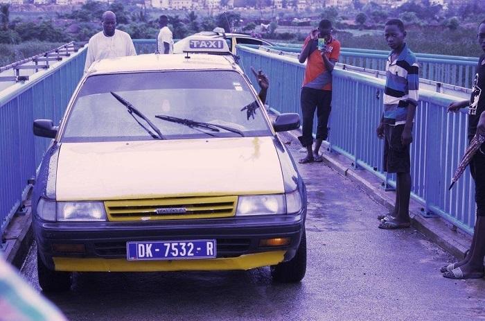 Passage sur une  passerelle piétonne : L'Etat annonce  des poursuites judiciaires contre les chauffeurs de taxi