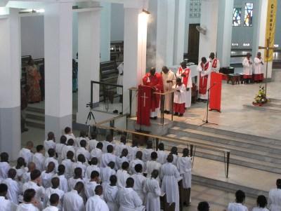 Assomption 2015 : les catholiques célèbrent l'élévation de marie au ciel