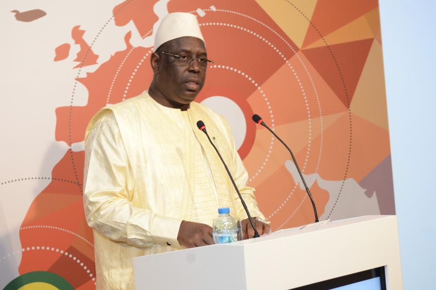 Macky Sall sur Doudou Ndiaye Rose : « Le Sénégal perd un de ses plus grands ambassadeurs culturels à travers le monde. »