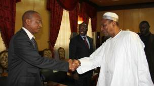 Le Président guinéen Alpha Condé et le chef de l'opposition Cellou Dalein Diallo