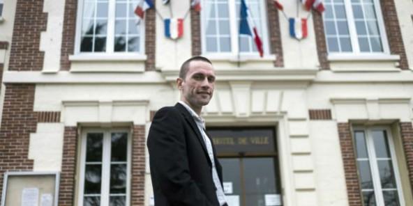 France : un maire FN privilégie un commissariat à la place d'une mosquée, le préfet conteste en justice