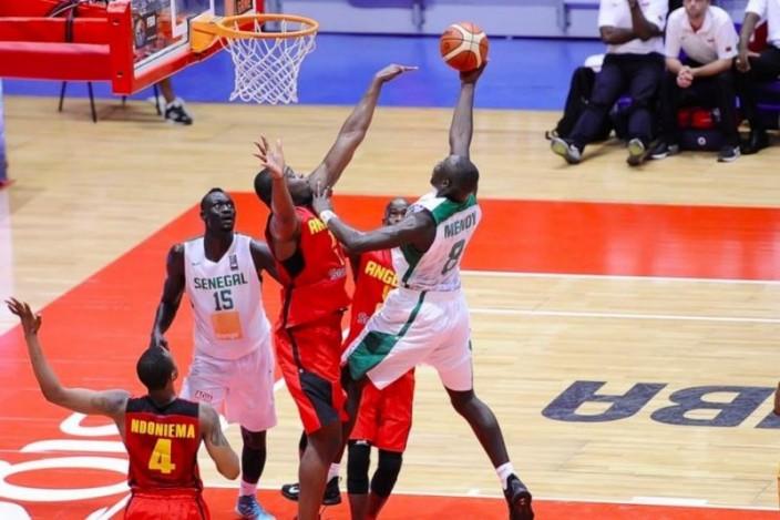 """Afrobasket 2015 - Sénégal vs Ouganda : les """"Lions"""" à 40 mn des 1/4"""