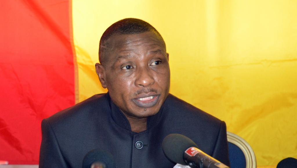 Moussa Dadis Camara a donné une conférence de presse à Ouagadougou le 11 mai lors de laquelle il a annoncé sa candidature à l'élection présidentielle de Guinée. AFP PHOTO / AHMED OUOBA