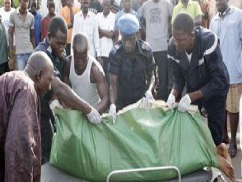 Horreur à la Cité Biagui : le corps d'un Blanc en état de décomposition retrouvé dans un véhicule