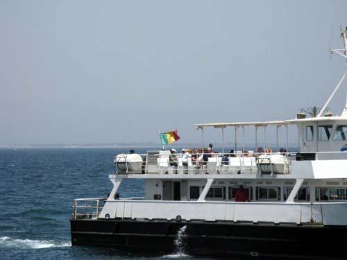 Mer très houleuse, 700 personnes bloquées à Gorée