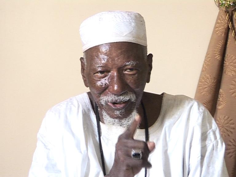 """Serigne Sidy Makhtar Mbacké tance les """"Karimistes"""": """"Faites la politique sans utiliser mon nom"""""""