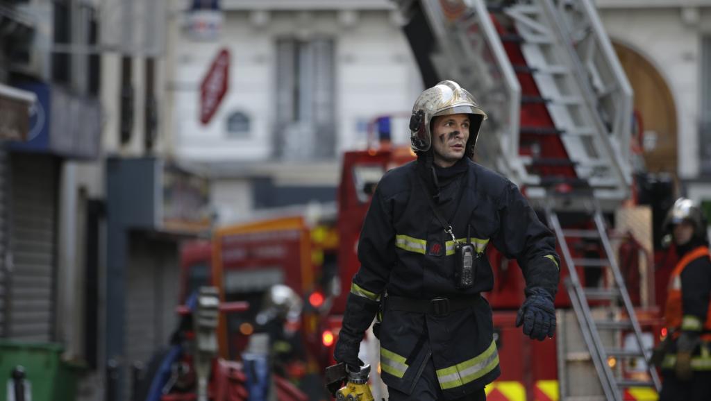 Un violent incendie dans le nord de Paris fait huit morts