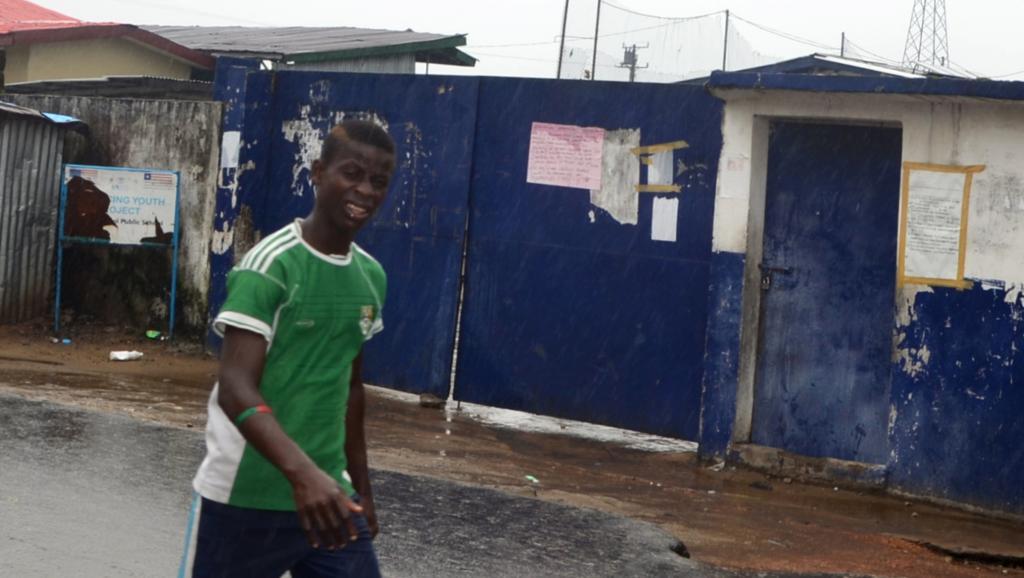 L'école de West Point avait été transformée en centre d'isolement pour malades d'Ebola. AFP PHOTO / ZOOM DOSSO