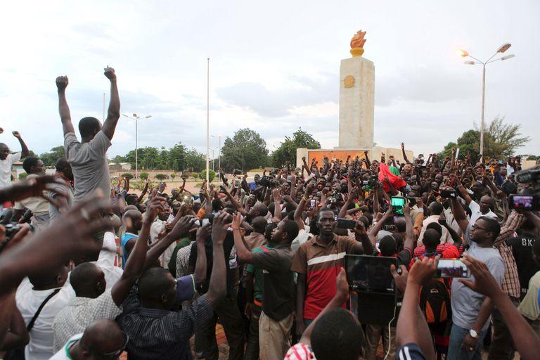 Burkina Faso : « L'attitude de l'armée régulière sera déterminante »