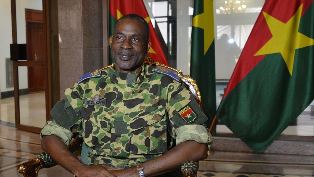 Parmi les 14 personnalités politiques sanctionnées, le chef des militaires insurgés, le général Gilbert Diendéré, mais aussi des proches de l'ex-président Blaise Compaoré. AFP PHOTO / AHMED OUOBA