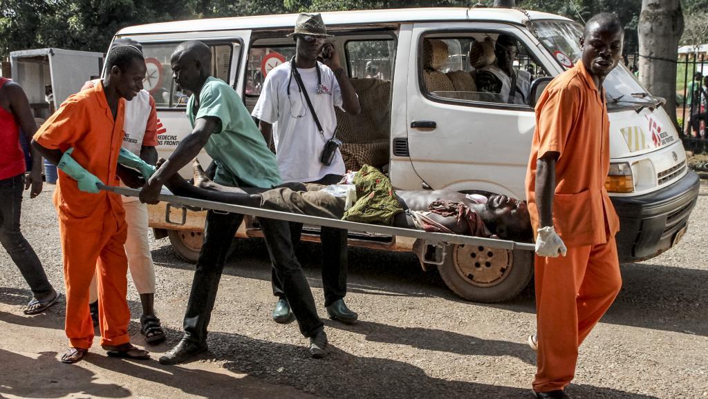 A l'hôpital principal de Bangui, les blessés affluent après les violences déclenchées le 26 septembre. AFP PHOTO / EDOUARD DROPSY