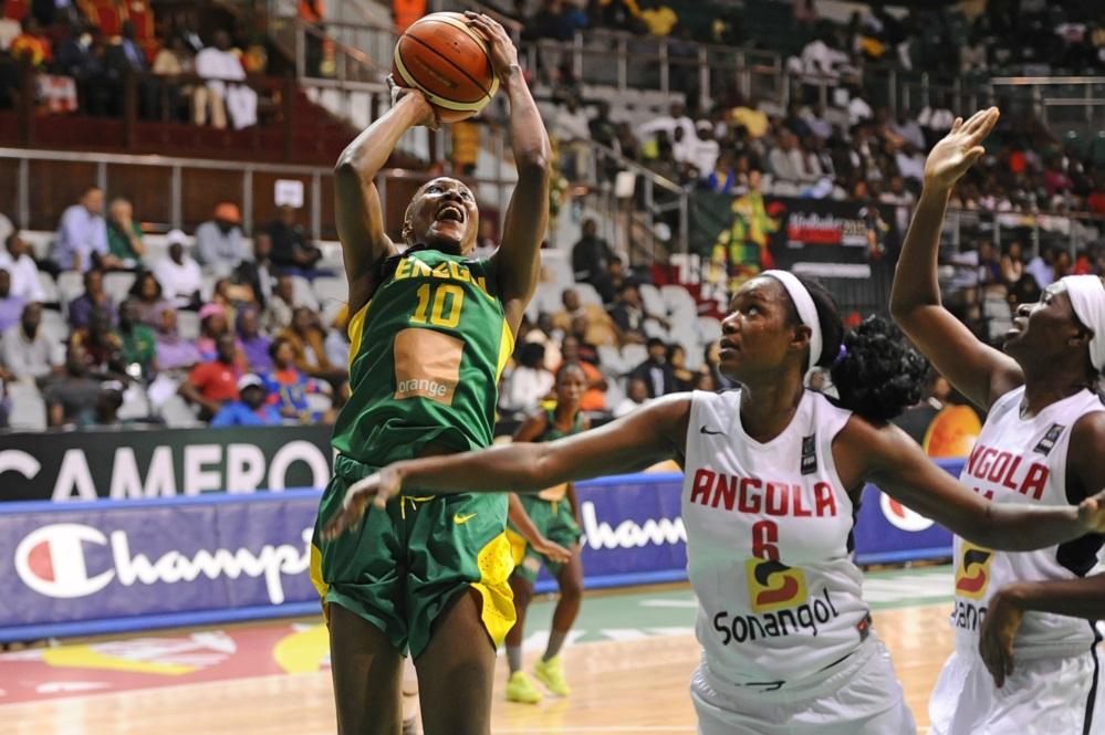 """Afrobasket féminin 2015 1/2 Sénégal 56-54 Angola: les """"Lionnes"""" sont en finale"""