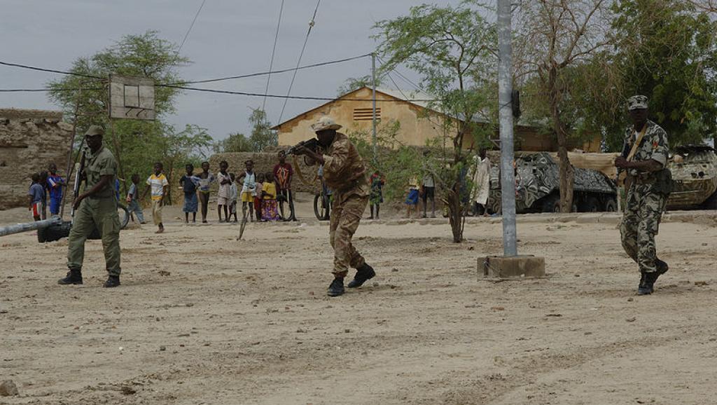 Les militaires maliens libérés étaient détenus dans le nord du Mali, tandis que les combattants de la CMA étaient emprisonnés à Bamako. Photo d'archive: militaires maliens à l'entraînement.