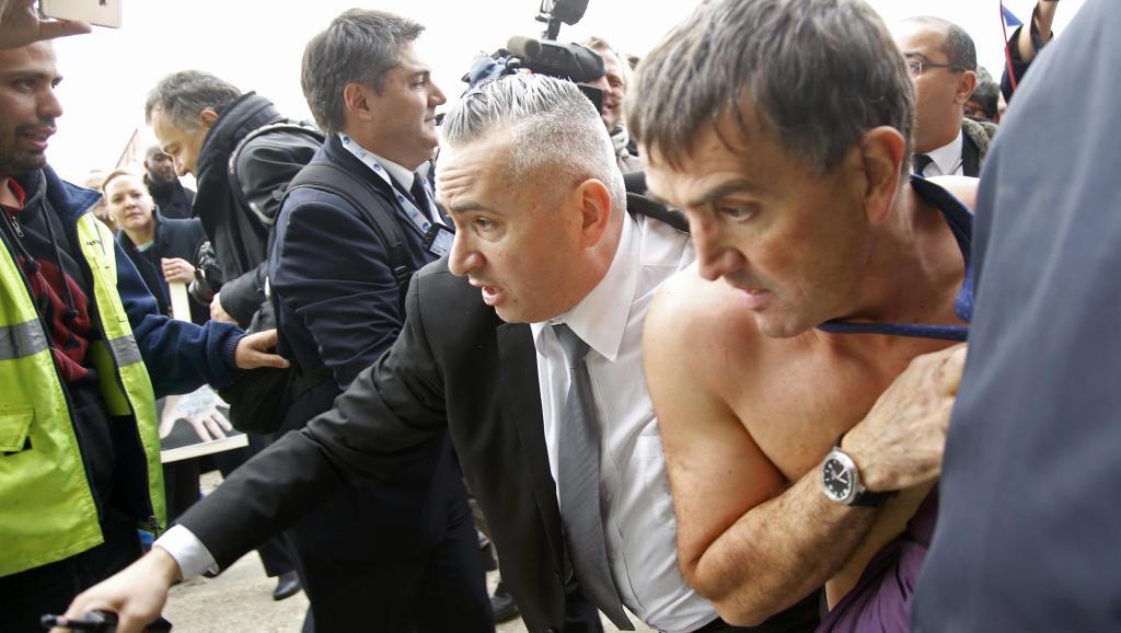 Violences lors du CE d'Air France, la direction va porter plainte