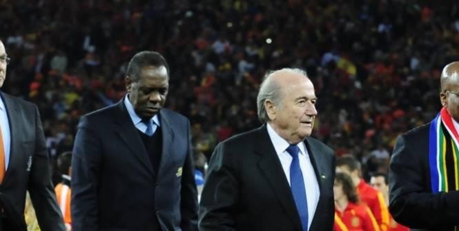 Issa Hayatou, président intérimaire de la FIFA