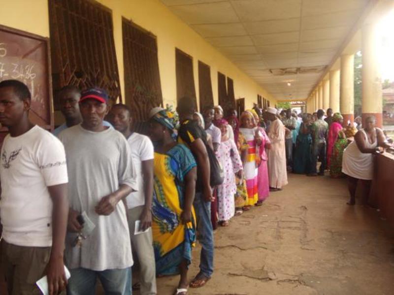 Direct Election présidentielle en Guinée: l'absence de matériels décriée
