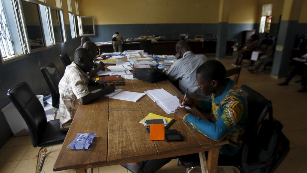 Présidentielle en Guinée: tous les candidats appelés au dialogue