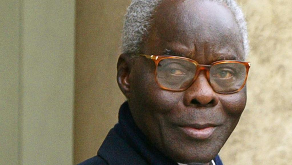L'ex-chef de l'Etat béninois Mathieu Kérékou, au palais de l'Elysée à Paris, en décembre 2002. AFP PHOTO / PATRICK KOVARIK