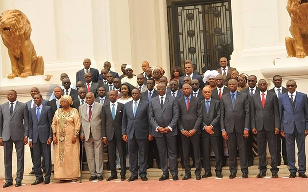 «Depuis trois ans donc, le Parlement (et le Gouvernement) violent la loi...», (Forum civil)