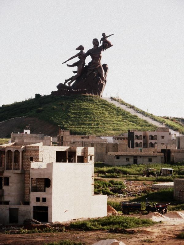 Ouakam: les forces de l'ordre quadrillent la zone du monument de la Renaissance