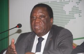 Pr sidentielle ivoirienne la commission lectorale proroge la fermeture des bureaux de vote - Fermeture bureau de vote ...