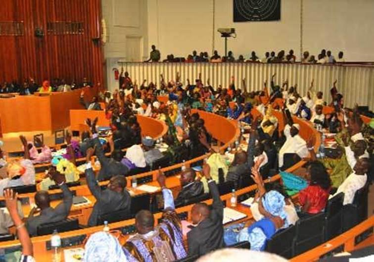 Dernière minute - Assemblée nationale: des échauffourées bloquent la séance