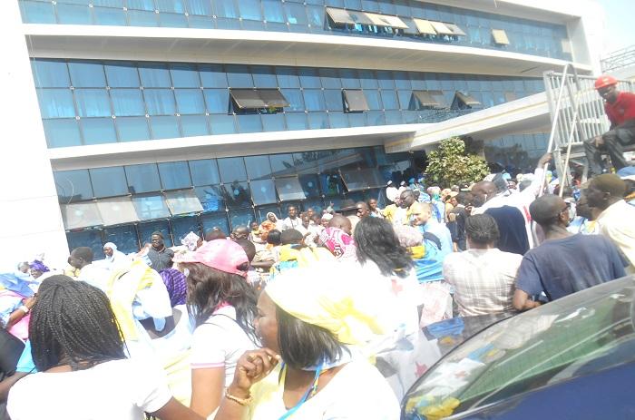 Vœu d'en découdre avec le pouvoir : l'opposition bande les muscles et appel à occuper la Place Soweto.
