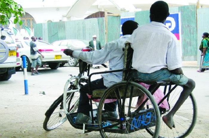 Carte d'égalité des chances : les handicapés moteurs se disent oubliés.