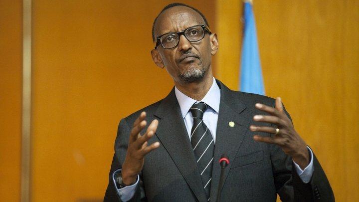 """Le président Kagame accuse son homologue burundais Nkurunziza de """"massacrer"""" son peuple"""
