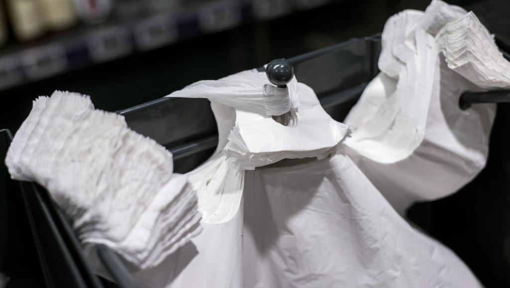 Le Maroc adopte un projet de loi pour interdire les sacs plastiques