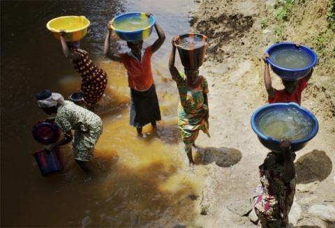 Manque d'eau à Vélingara : les populations se rabattent sur le marigot