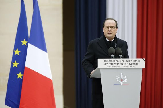 Attentats : «Nous multiplierons les chansons, les concerts, les spectacles», dit Hollande