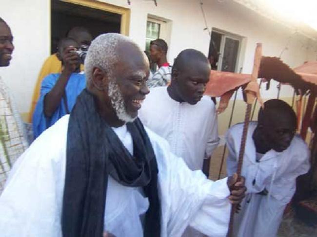 Serigne Mountakha Mbacke retenu à la porte de la grande mosquée, des sanctions réclamées