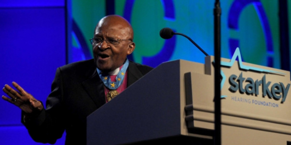 COP21 : Desmond Tutu met en garde contre les risques d'échec alors que 150 dirigeants sont réunis à Paris