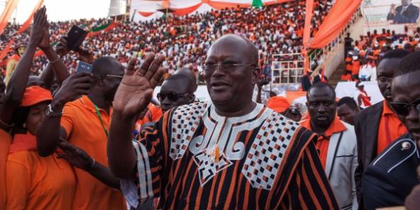 Burkina : Roch Kaboré élu président avec 53,49 % des voix, selon les résultats provisoires