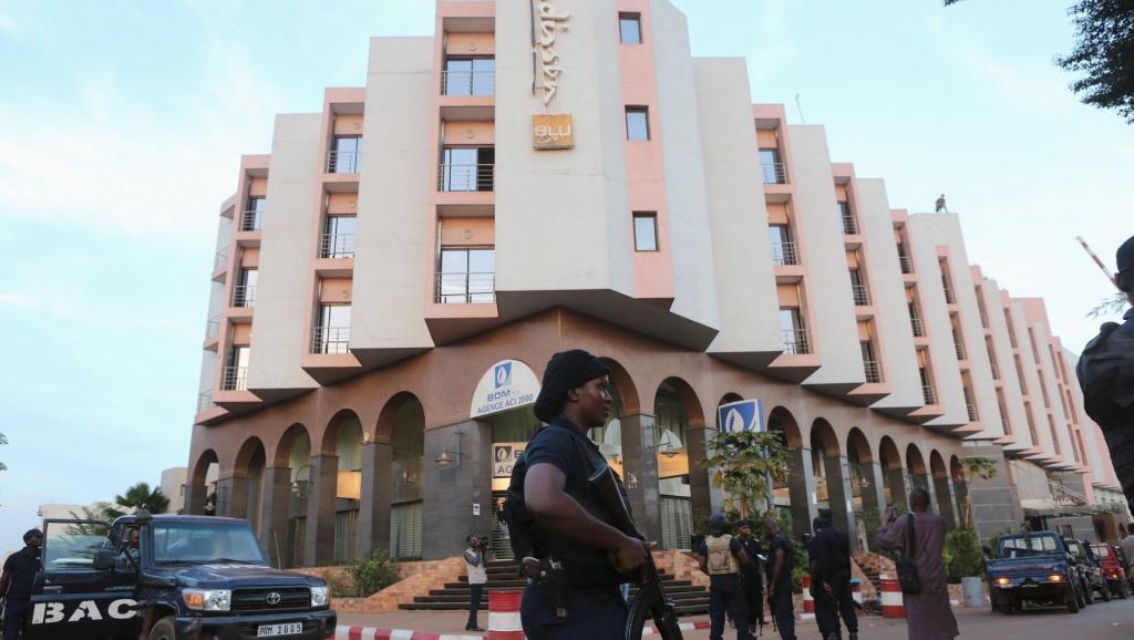 Mali: l'émir d'Aqmi confirme sa responsabilité dans l'attaque du Radisson