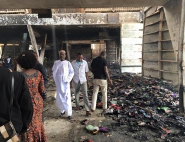 Incendie au pavillon vert de la Foire: le collectif des victimes dénonce le mutisme des autorités